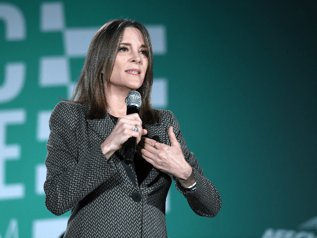 Marianne Williamson Defends Tulsi Gabbard: Democrats 'Smearing Women it Finds Inconvenient'