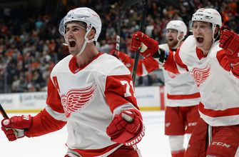 Red Wings rally past Ducks 4-3 in OT for third straight victory