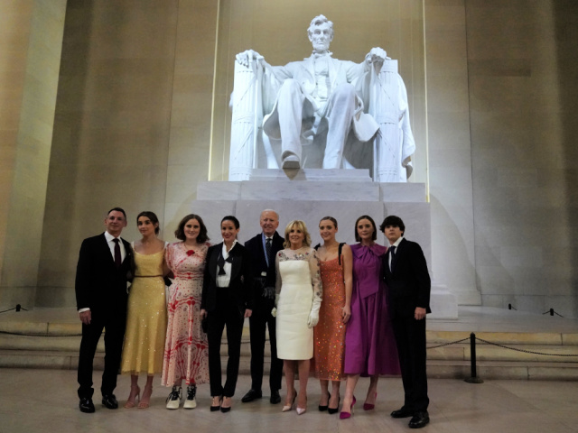 Biden Family Violates Mask Mandate for Photo Op at Lincoln Memorial