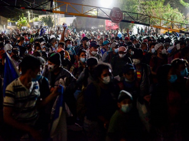 Migrant Caravan in Guatemala Pushes Through Border from Honduras -- Heading to U.S.A.