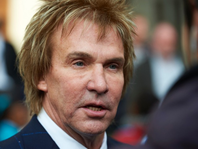 'No Vaccine, No Job' Declares Anti-Brexit Pimlico Plumbers Boss