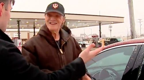 WATCH--Neighbors Surprise Pizza Delivery Man with Car: 'It Means a Lot to Me'