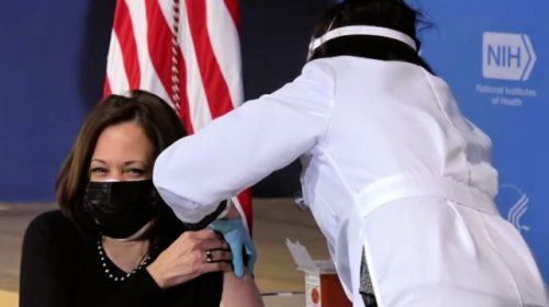 'When Are You Going to Put it In?' — Kamala Harris Gets Second Shot of Coronavirus Vaccine