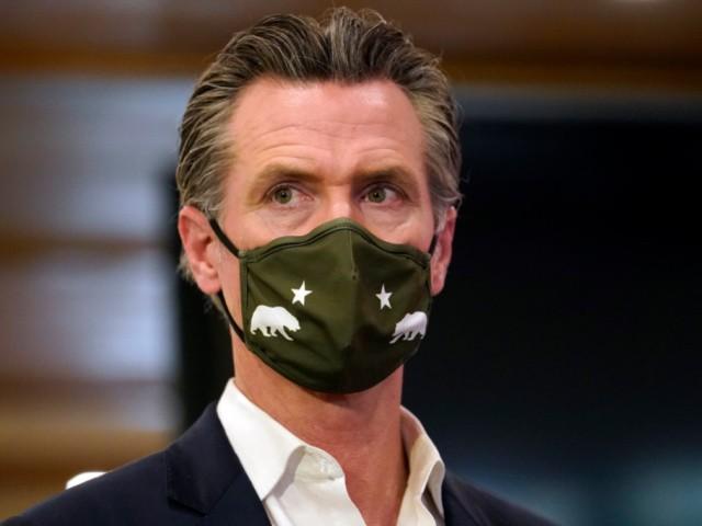 Gavin Newsom Pulls Kids Out of Basketball Camp After Maskless Photos Emerge